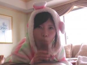 【口内射精】可愛いパジャマ姿の出張美少女にお目覚めフェラしてもらう