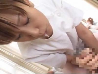 ナースさんの唾液たっぷり手コキフェラチオ看護で口内に射精w