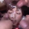 コスプレ美少女がちんぽに囲まれて回りから一気にお顔に射精していくw【ぶっかけ】