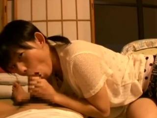 【オムニバス】可愛い妹に寝っ転がりながら亀頭をじゅぽじゅぽされて見つめられながらイッちゃうw【口内射精】