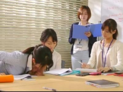 ちんぽが生えてくるオフィスでOLさんたちが業務をこなしながら当たり前のようにちんぽをしゃぶってるw
