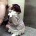 援交少女が街の公衆トイレで手慣れた感じでフェラ抜きしちゃうw【口内射精】